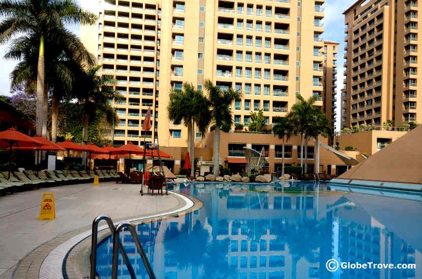 Intercontinental city stars pool globetrove for Stars swimming pool tacloban city