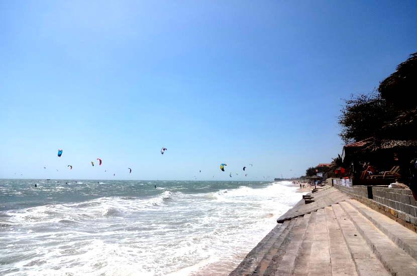 Kite surfing in Mui Ne