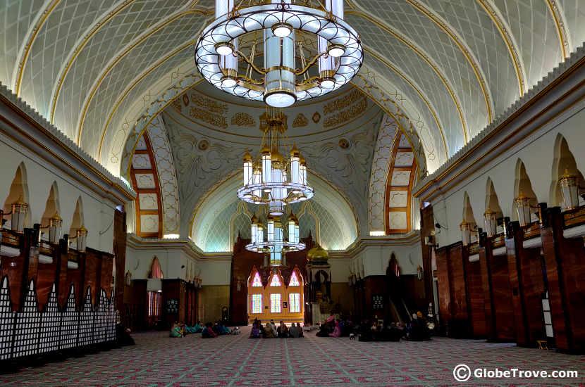 Inside Masjid Omar Ali Saifuddein Dan Bahtera Mahligai